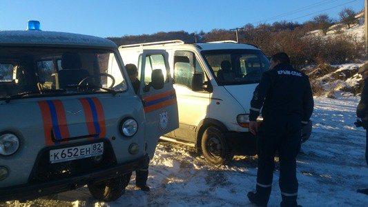 Cотрудники экстренных служб продолжают оказывать помощь водителям— МЧС Крыма
