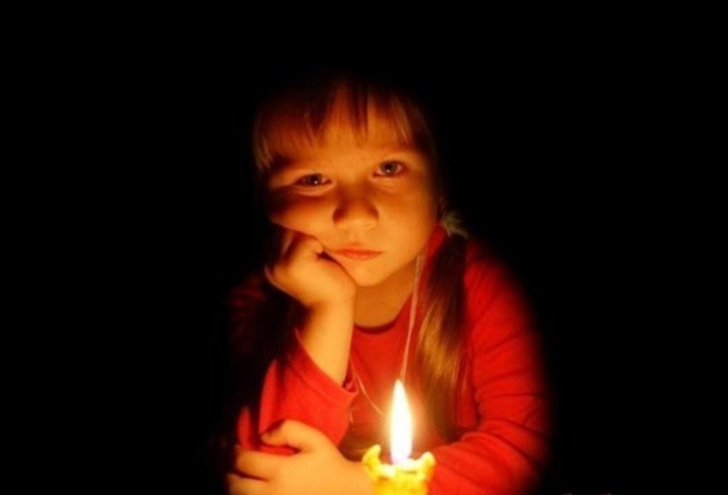 Нет света вкрупных городах, перебои сосвязью— Крым обесточен