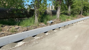 В Керчи начали ремонт дороги к медколледжу
