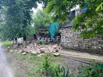 На Курсантов рухнула стена, жители остались без газа